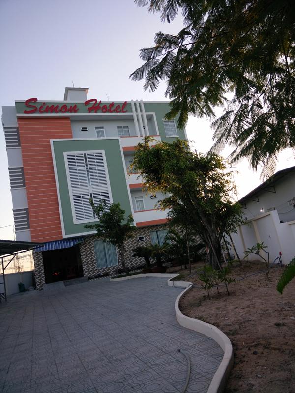 Khách sạn Simon